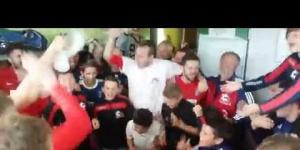 La joie dans les vestiaires du Plonéour FC