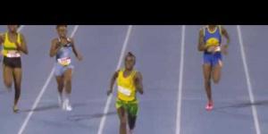 12 yr. old Brianna Lyston runs an amazing 23.46 Girls Class 4 200m Semi Champs 2017